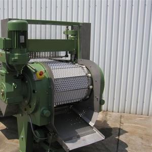 Машина для удаления косточек из вишни,  сливы,  абрикоса 1000 – 2000 кг