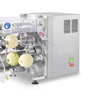 Машина для чистки,  нарезания,  удаления серцевины яблок 600 шт/час