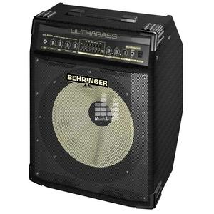 Продаю басовый комбик Behringer Bxl3000A