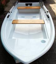 Лодка стеклопластовая